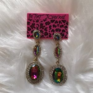 Beaty Johnson Dangling earrings